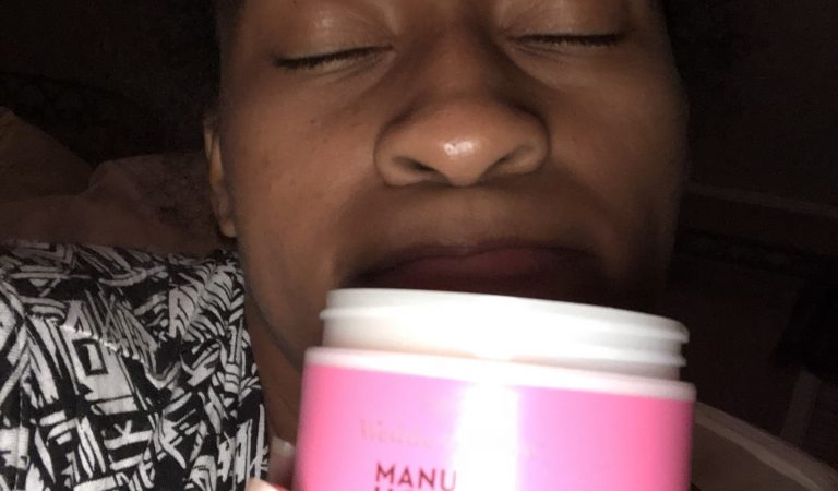 Self Care Saturday: Wedderspoon Makuna Honey & Shea Butter Exfoliating Sugar Scrub